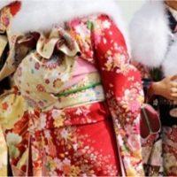 成人式の振り袖姿の女性たち